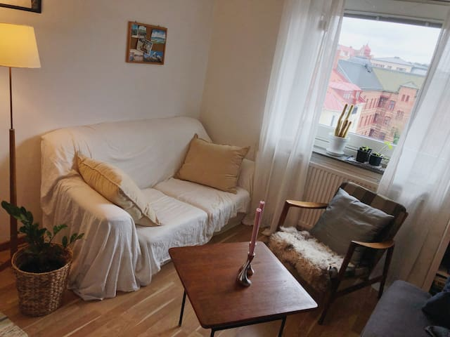 Cozy appartment on 5th floor with sunny balcony