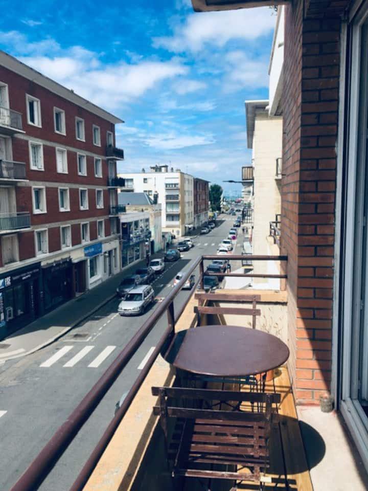 Bel appartement plein centre - 5 min de la plage