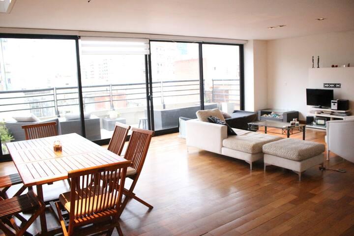Habitación privada en un *PEN HOUSE*  en Belgrano