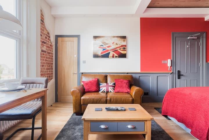 Studio 16- Soho Loft Style- Twin beds or Superking