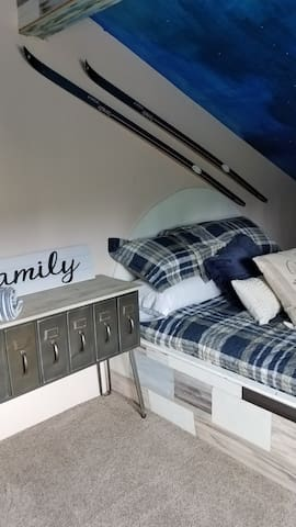 Bedrooms are good size this is the second bedroom and it features also a queen size bed and a sitting area