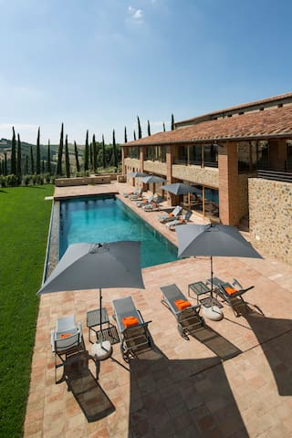 Amazing Villa in Tuscany for large Group up to 20 - Poggi del Sasso - Nature lodge