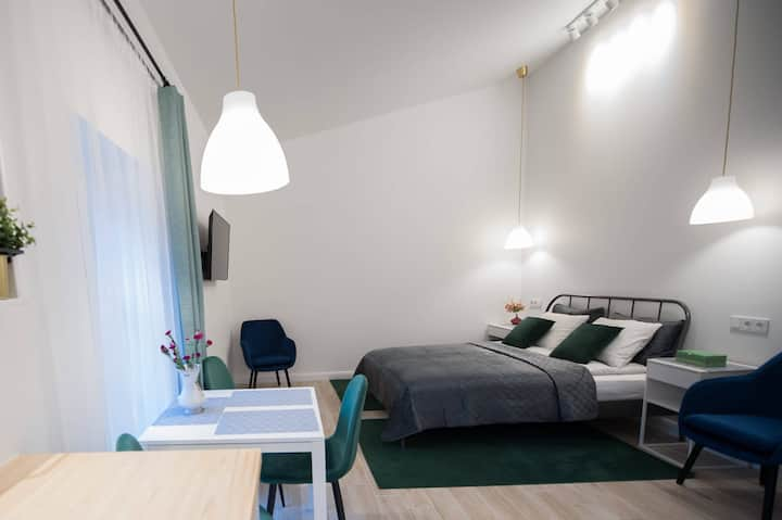 City center private hause with garden+free parking