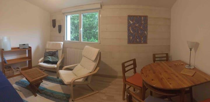 Appartement calme avec terrasse et accès jardin