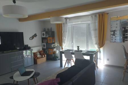 Appartement moderne tout équipé avec terrasse