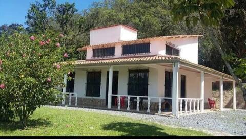 Casa de campo, villa esmeralda Moniquira Boyacá...