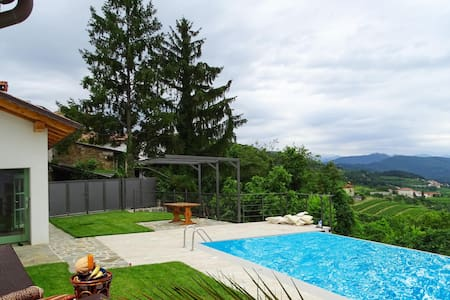 Semi-Detached with 2 bedrooms on 157m² in Kojsko