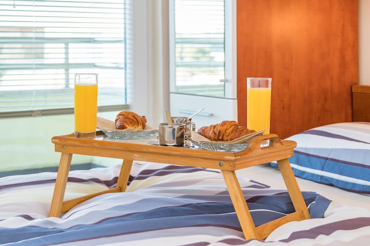 Bedroom 1 - Take your time and enjoy in a relaxing morning breakfast ritual