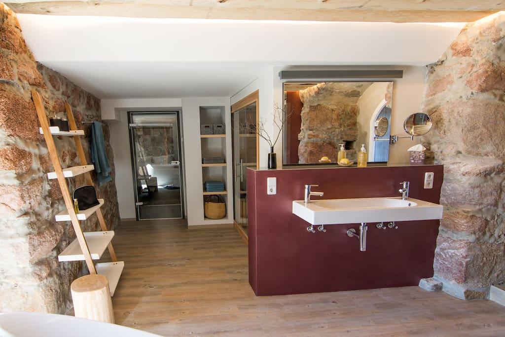 m hlbastei wellness suite mit finnischer sauna service apartments zur miete in bautzen. Black Bedroom Furniture Sets. Home Design Ideas