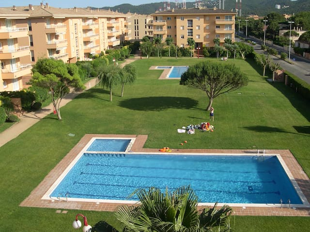 Apartment with garden & pool - Pals beach (GM 3H 426)