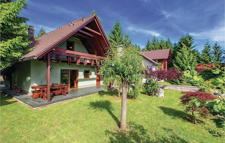 Holiday cottage with 2 bedrooms on 91 m² in Mrkopalj
