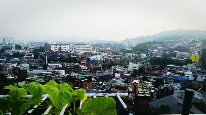 3 Bed rooms, castle-wall view, close to SKKU 성북동