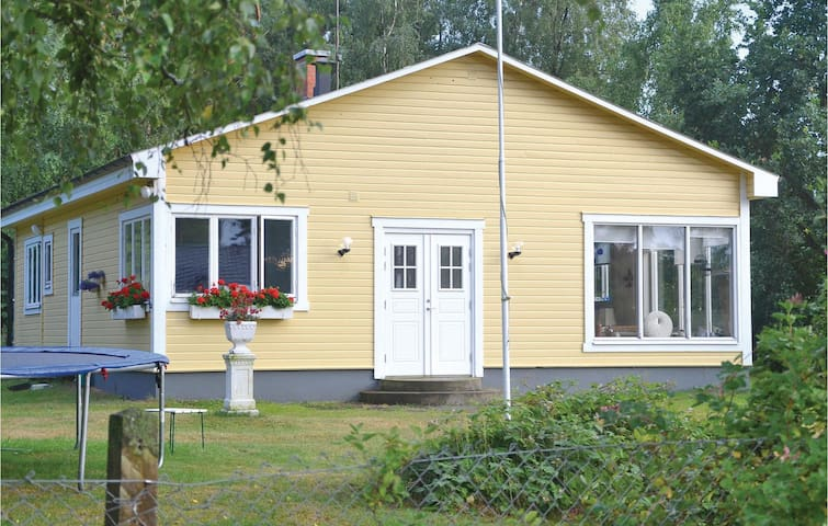 Holiday cottage with 2 bedrooms on 95m² in Beddinge Strand