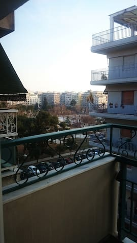 Cosy renovated apartment in the center downtown. - Thessaloniki - Huis