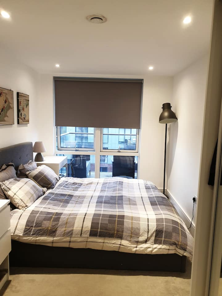 Modern Double Bedroom with Private Bathroom  SW2