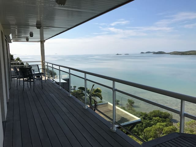 Haut de Villa spacieux Vue Lagon
