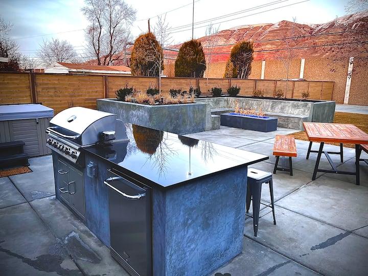 Fabulous Urban Oasis w/ hot tub and private backyard!