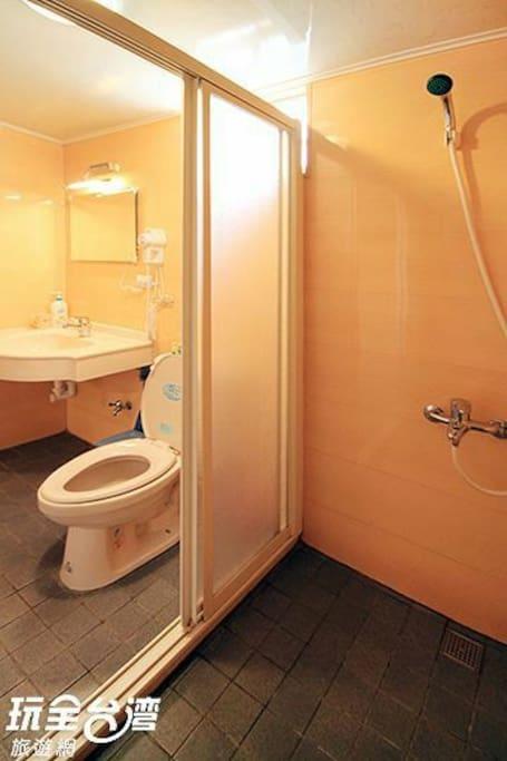 乾溼分離衛浴設備