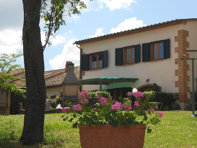 Casa Carbone vacanze uso piscina - Miniera Marchi - Lägenhet