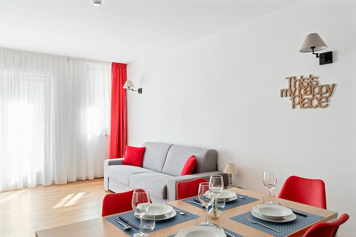 Mars - Lovely new flat (spa, cafe, kids area)