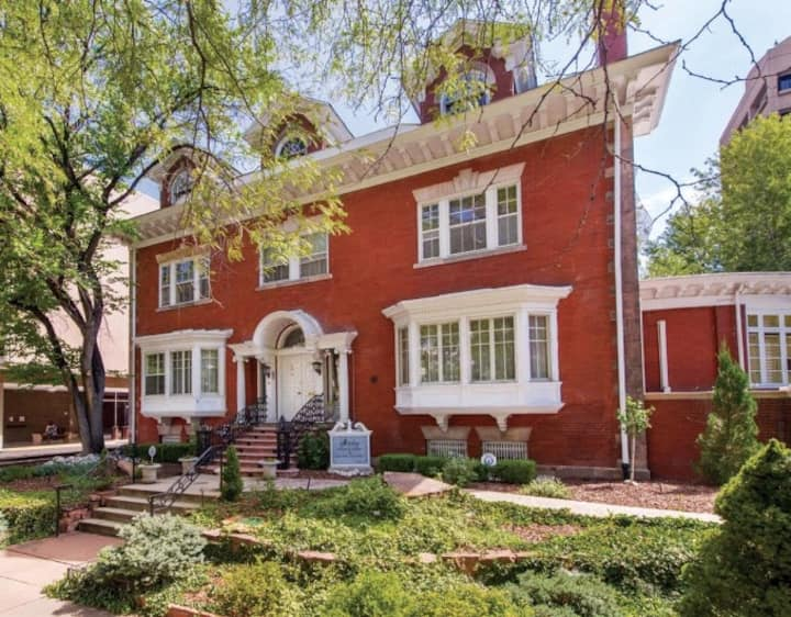 New! The Starkey Mansion, One Block from Capitol