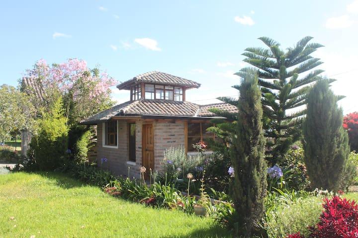 Hacienda Paraiso- Hummingbird suite - Cotacachi - Kabin