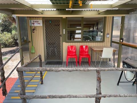 Meyersville Lazy Possum Cabin
