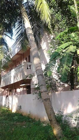 Ravi Homestay 1 Auroville Beach(AC)