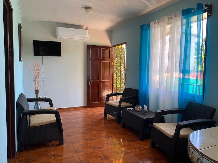 Apartamento a 5-10 min de playas MANUEL ANTONIO