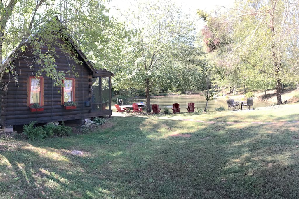 Cozy cabin nestled on a beautiful horse farm cabins for for Dahlonega ga cabins for rent