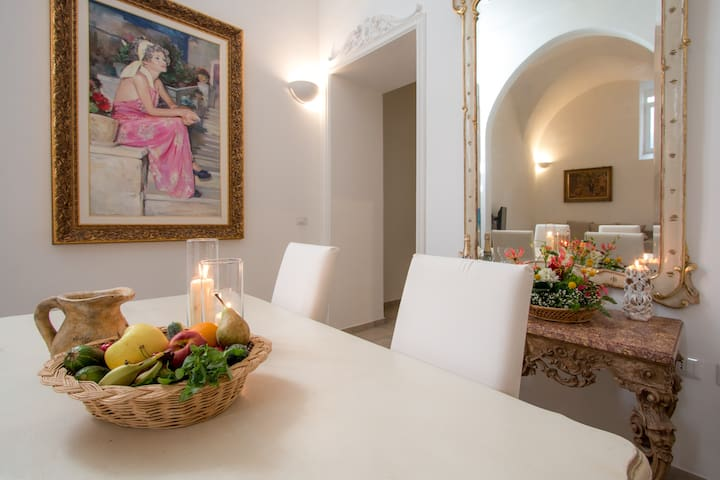 Stylish house in the heart of the historic center!