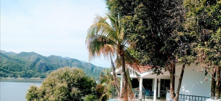Casa en Isla del Sol - GRATIS Transporte y Tour