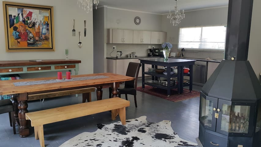 Golden View Luxury Self Catering - Clarens - Ház