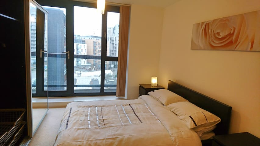 Luxury 2 Bed Apartment in London ! Close to EXCEL