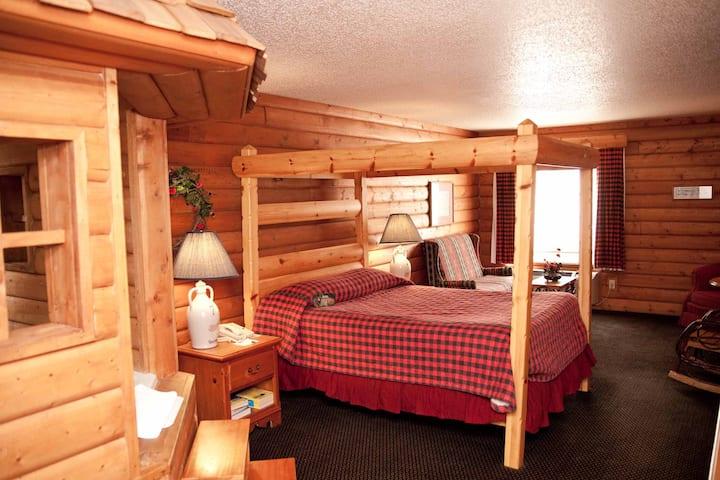 Frontier Cabin Jacuzzi Suite