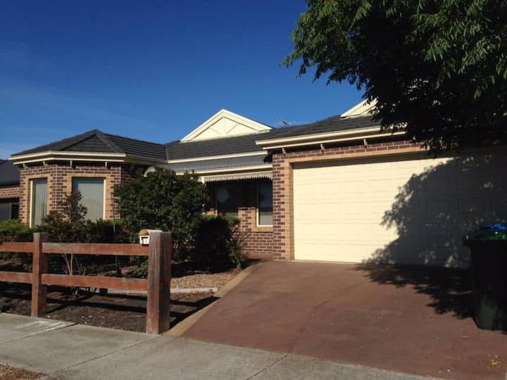 Furnished 3 BR House Near Wyndham Vale Station