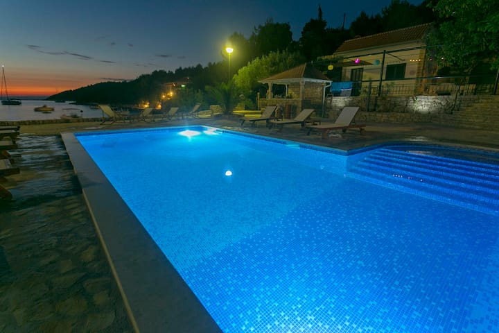 Villa Huerte - Beach House Studio - Hvar - Bed & Breakfast