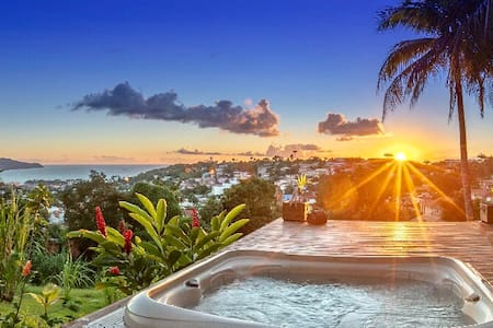 CREOLE BAY CONFORT + PRIVATE HOT TUB WITH SEA VIEW