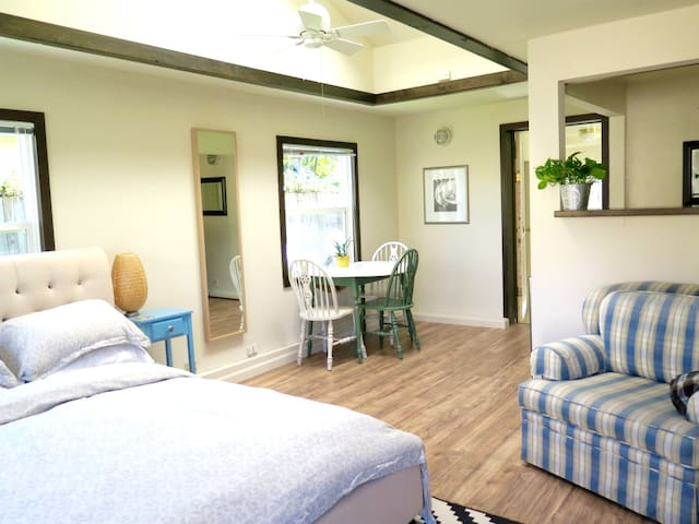 Bright Garden Studio Near Central San Rafael - San Rafael