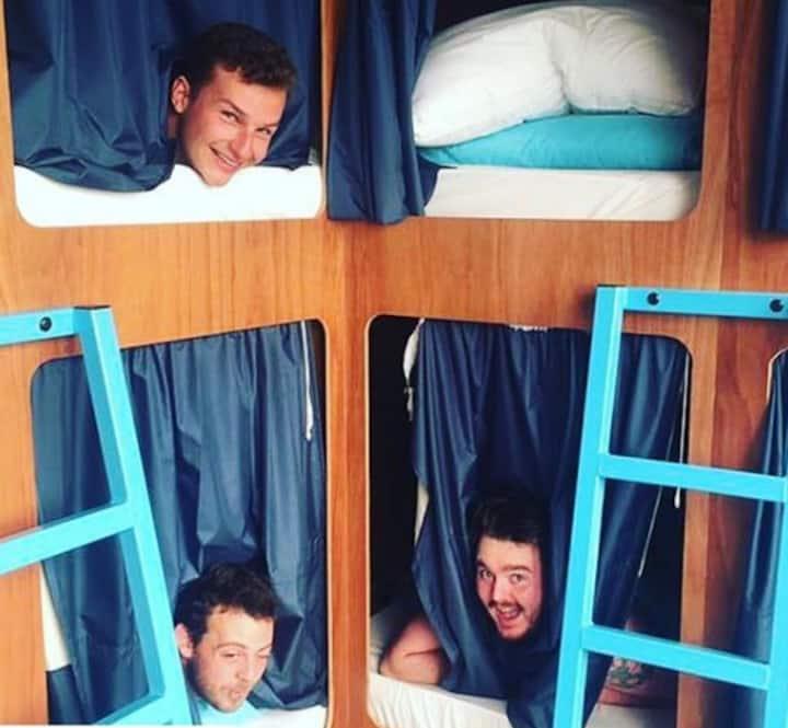 10 Bed POD bed dorm