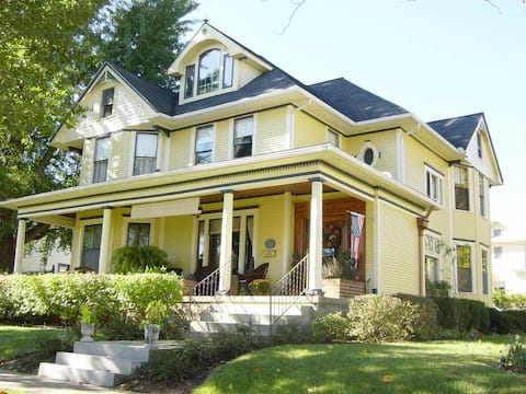The Harkins House Inn Bed & Breakfast-Caldwell, OH
