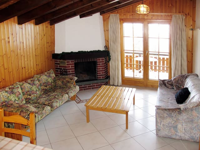 Ferienwohnung in Mayens-de-l'Ours for 8 persons