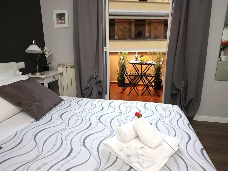 Camera matrimoniale lusso con balcone privato