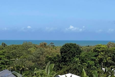 Tropical Paradise Self-Contained Open Plan 2BR