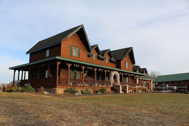 Samson's Mountain Lodge and 3-Room Cabin