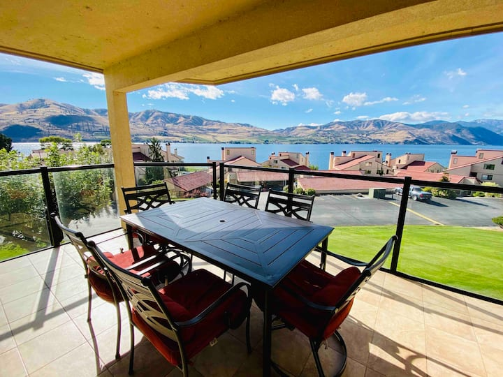 Chelan Shores Condo-Year Round Pool, Hot Tub, View