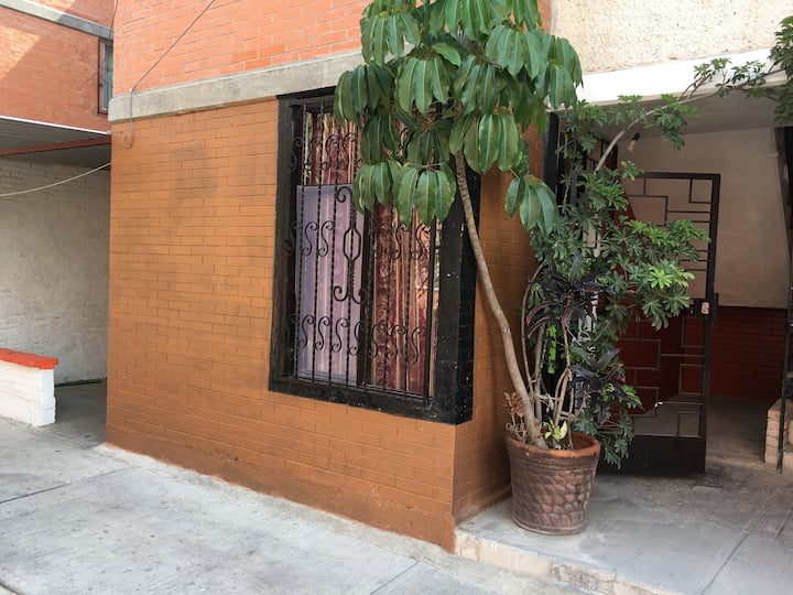 Alojamiento para pareja en San Pedro Acoquiaco.