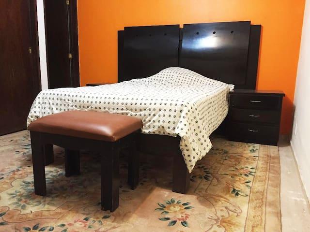 Confortable habitación en la zona sur de la ciudad