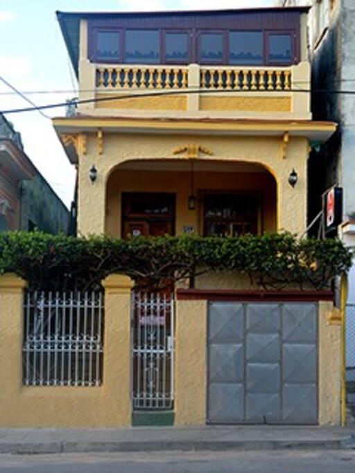Frente de la casa.
