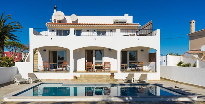 Villa M6, Seaview, Pool,Self-catering,Room 1